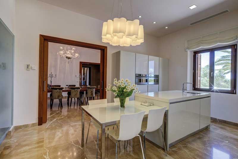 Küche & Esszimmer - Luxus Finca la Vita | Manacor | Mallorca